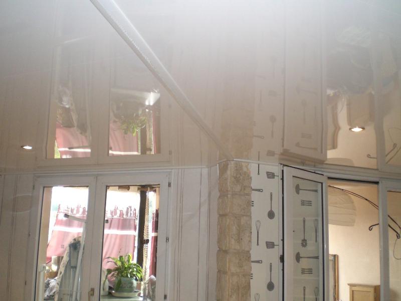 plafond-tendu-com-vinon sur verdon